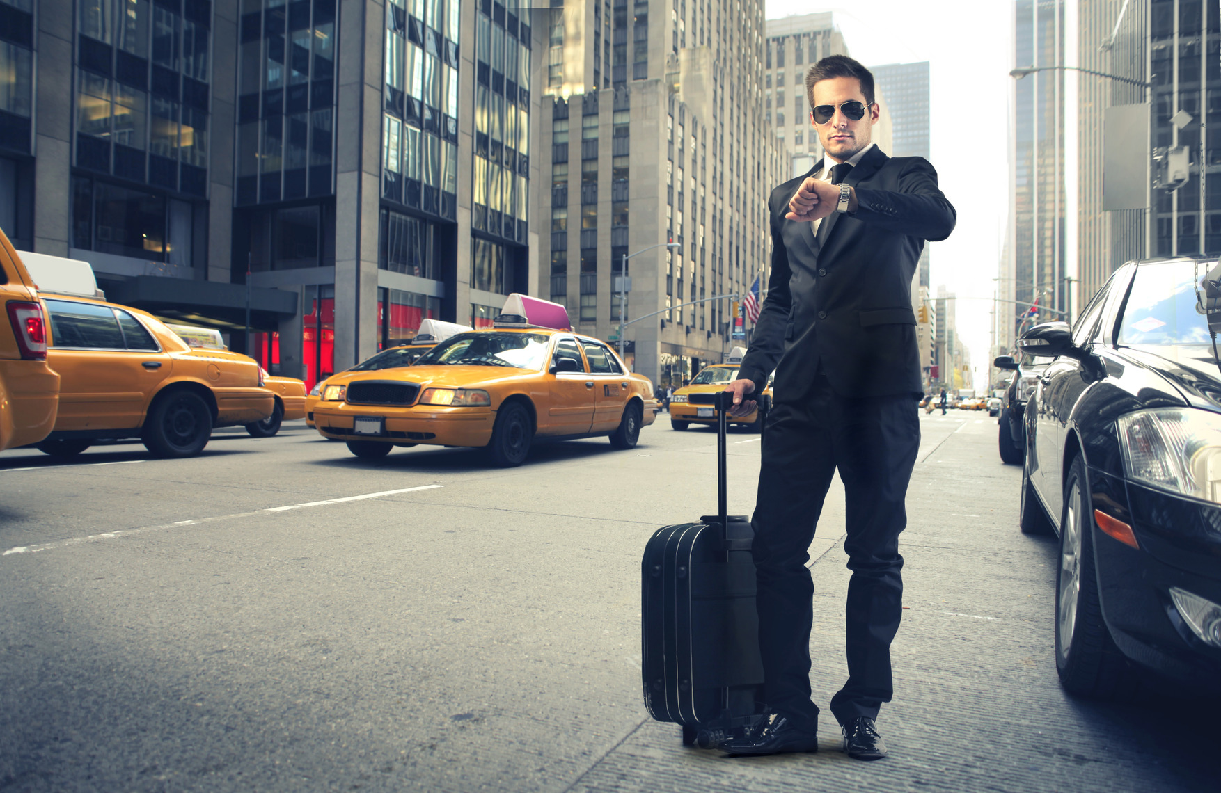 photodune-3549754-businessman-in-new-york-m